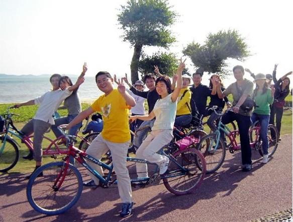 【圣诞狂欢】12月24日环岛路自行车之旅,草莓园摘草莓,烧烤交友狂欢