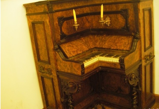 鋼琴博物館 - 景點展示